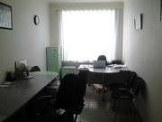 Продаю офисную мебель : два стола,  бельевой шкаф,  стулья,  сейф,  жалюзи