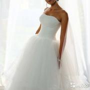 Продаю свадебное платье,  недорого.